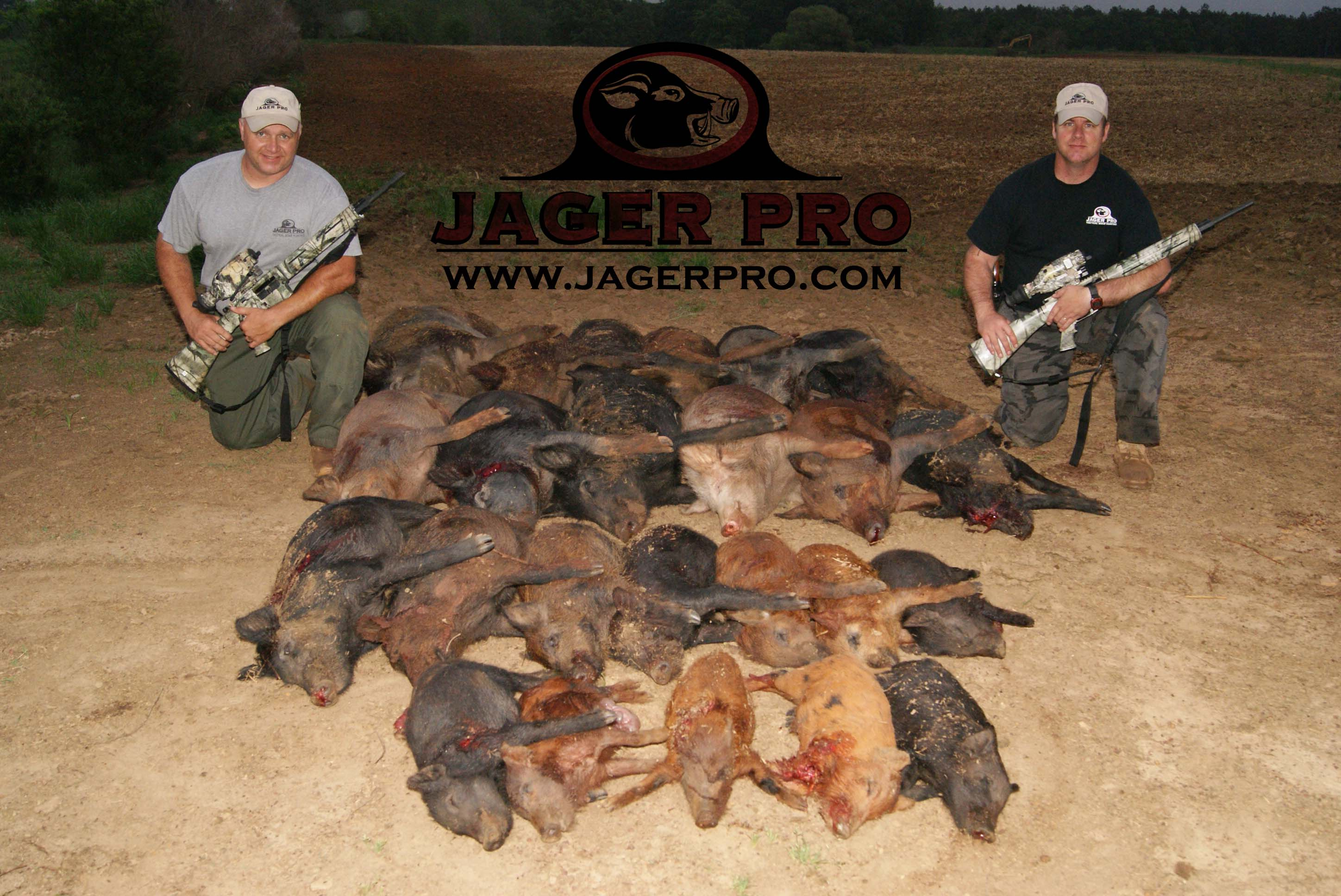 JAGER Pro's Clint Housel Hunts Feral Hogs with Thermal Night Vision Equipment