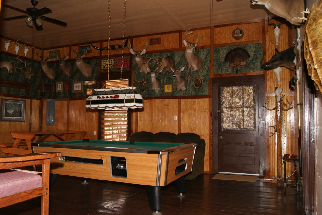 Mossey Creek Outdoors Lodging Game Room